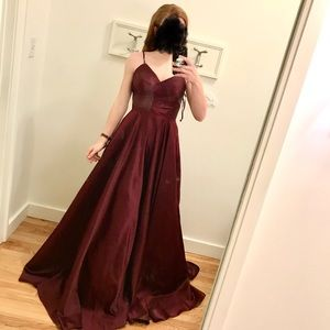 NWT Dancing Queen ruched Prom 2020 Dress!